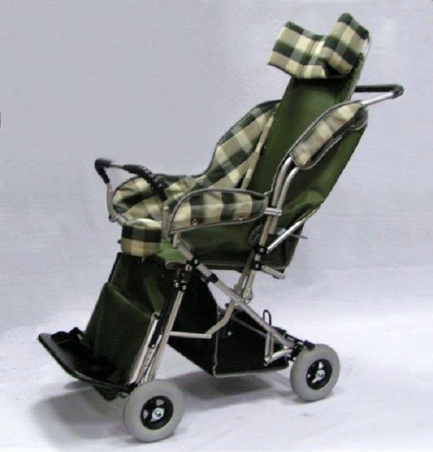 Детская инвалидная кресло-коляска, модель «Василиса 2» (3 фото).