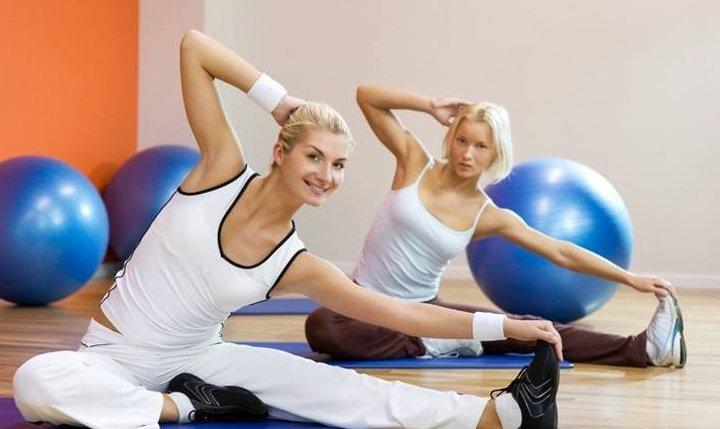 Упражнения по лечебной гимнастике при пояснично-крестцовом радикулите (6 фо ...