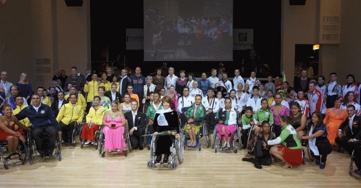 Танцы на инвалидных колясках (5 фото+видео)