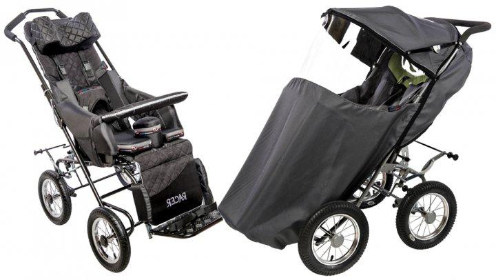 Детская инвалидная коляска рейсер