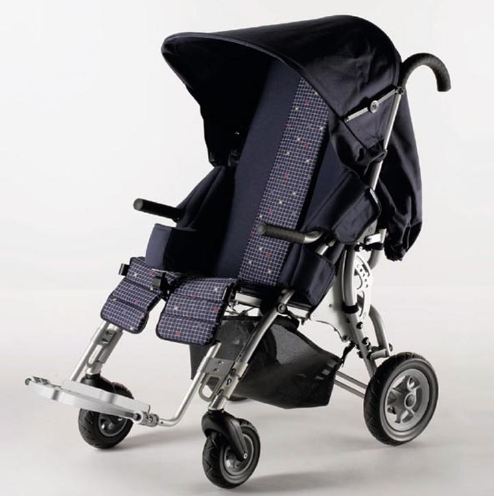 Детская инвалидная коляска Лиза (2 фото)