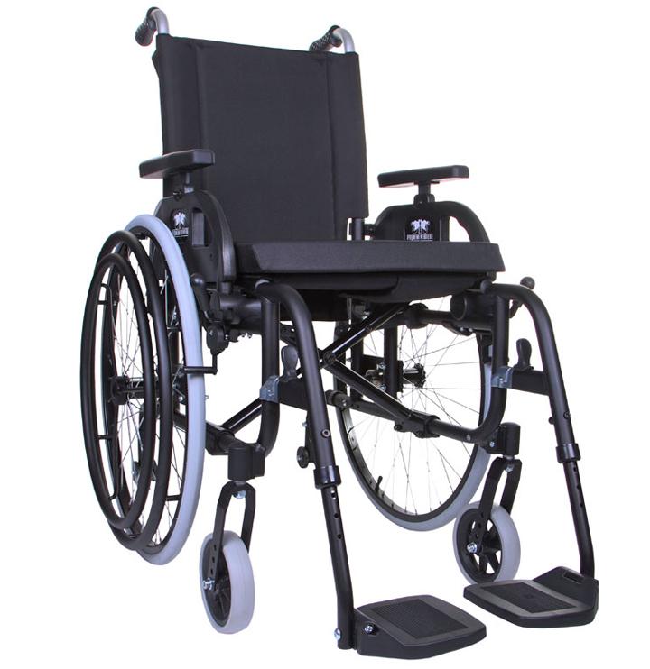 Инвалидная коляска, управляемая одной рукой