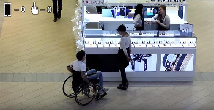 Как девушки относятся к инвалидам парням